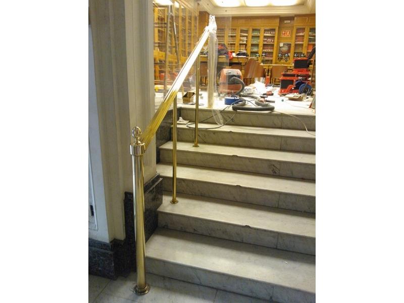 Barandillas para escaleras de latón