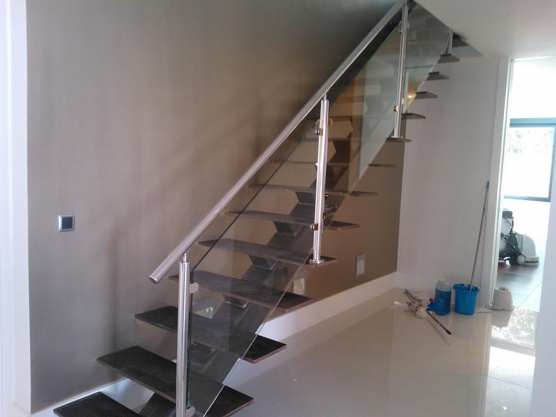 Barandas de escaleras metalicas fabricantes de escaleras for Escala o escalera