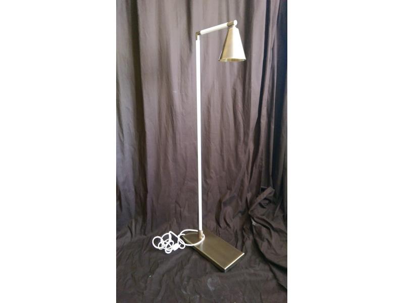 Lámparas de pie de acero inoxidable