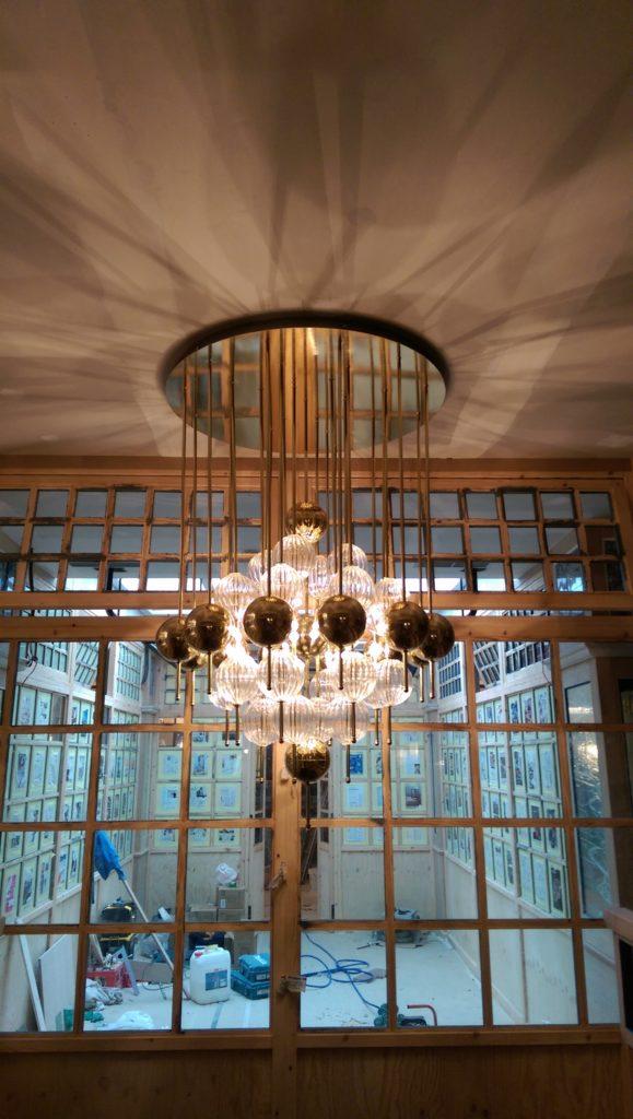 Lámparas de latón y cristal