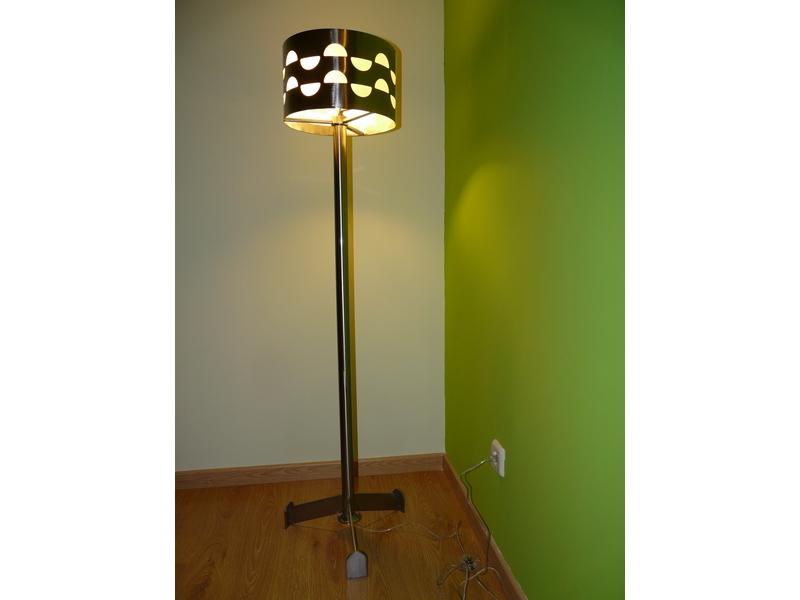 Lámparas de pie de acero